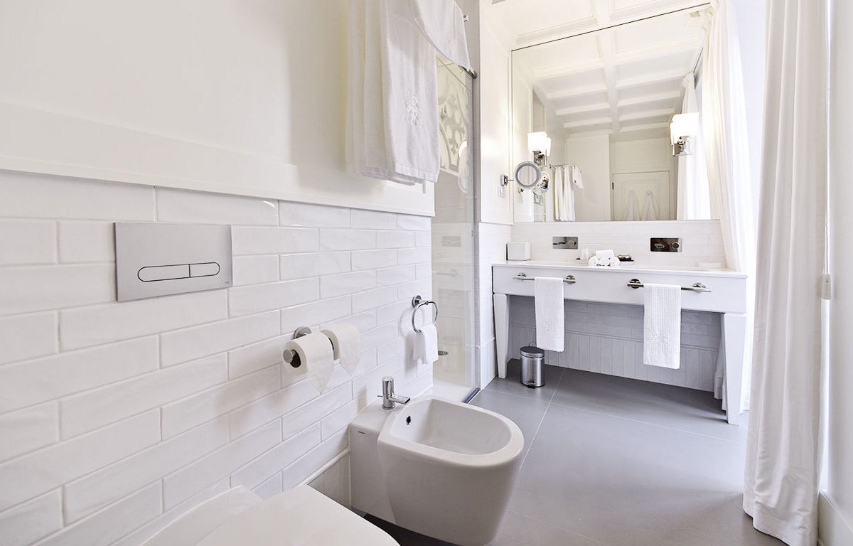 Large Spacious Bathrooms